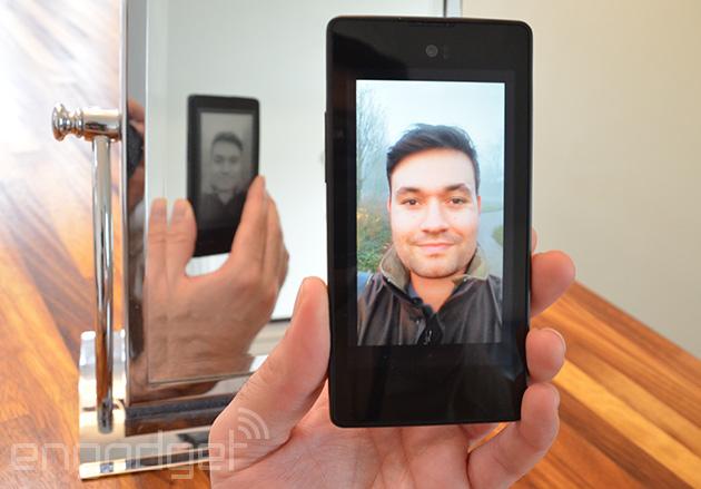 Dual-screen YotaPhone